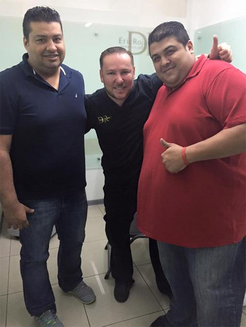 Súper feliz con mis amigos y pacientes Oscar y Manuel .